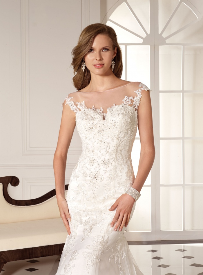 Brautkleid-829-308621-2_big